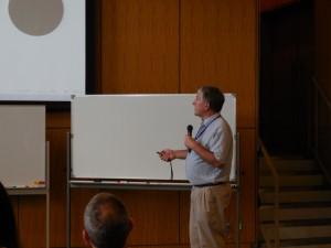 写真:Seymour 教授の講演風景